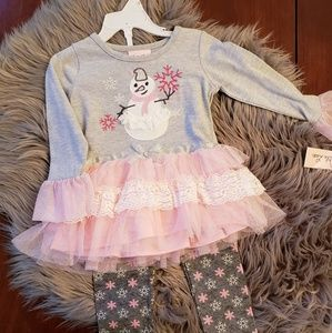 NWT! Adorable snowman outfit